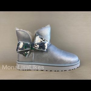New UGG Classic Mini Sequin Bow Metallic Boots